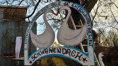 Schwanen-Karussel hinter der Alten Fabrik