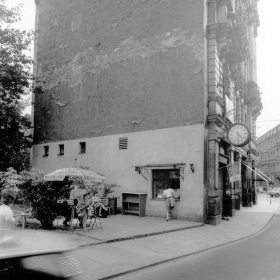 Eisausgabestelle am Café Christian - Foto: Günther Starke