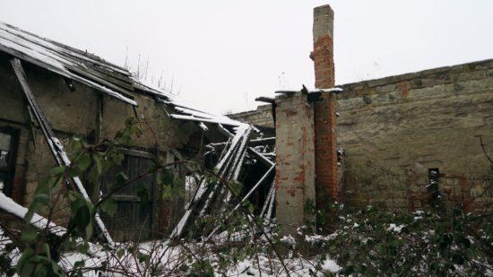 Große Teile des Daches sind schon eingestürzt.