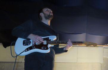 Torsten an der Gitarre