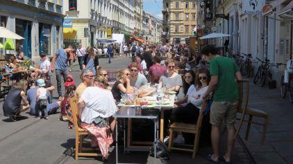 Frühstücken auf der Rothenburger Straße