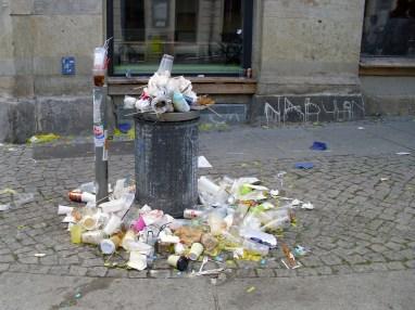 Müllkunst auf der Kamenzer Straße