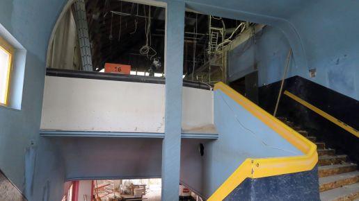 Halbe Treppe: Nach Entfernung der Trockenbauplatten stellten die Arbeiter fest, dass es hier einen Balkon gibt. Über dem Tarkowski-Saal soll ein weiterer Kinosaal entstehen.