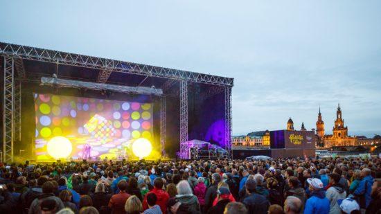 Die Pet Shop Boys lockten Tausende ans Elbufer. Foto:  PR/Toni Kretschmer