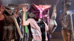Dancing About. Ensembleproduktion von Gob Squad. Foto: David Baltzer/Bildbuehne.de