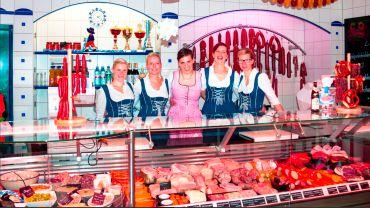 Patricia During (rosa) mit Team.