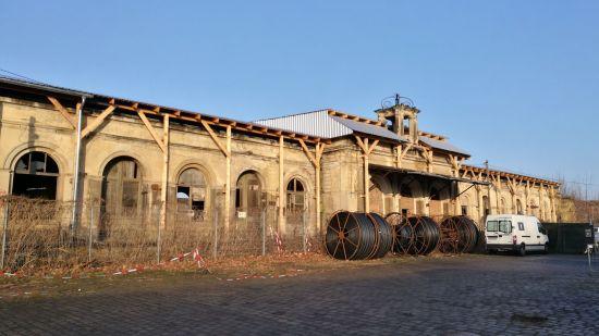 Der Alte Leipziger Bahnhof, zur Zeit mit einem Schutzdach gesichert.