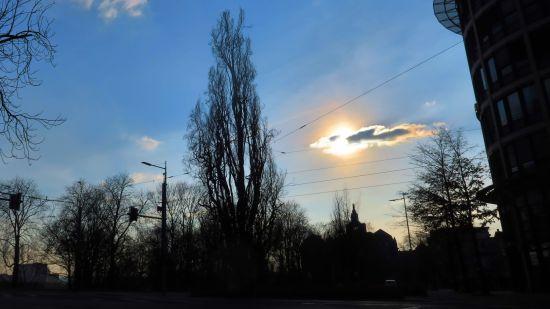 Der Sonnenschein trügt, es ist kalt draußen.