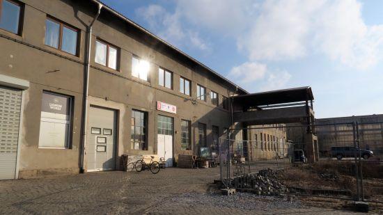 Wird abgerissen: Haus Sieben auf dem Gelände zwischen Lößnitz- und Friedensstraße - Foto: Archiv 2018
