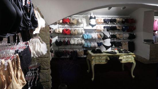 Wäscheparadies in den Katakomben der Görlitzer