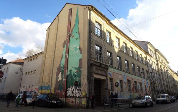 15. Grundschule an der Görlitzer Straße mit der alten Brandmauer. Foto: Archiv/2018