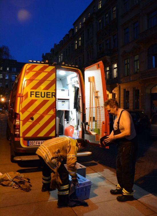 Falkenretter am Martin-Luther-Platz. Fotos: Eckehard Möller