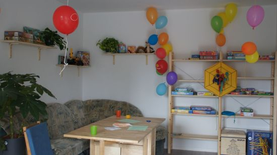 Die zwei Innenräume des Kindertreffs wurden gemeinsam mit den Kindern gestaltet