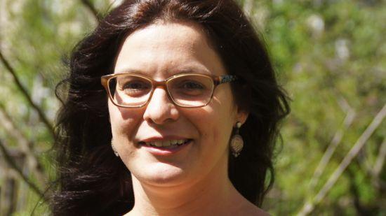 Antje Wayandt gestaltet Märchen und Theaterstücke mit Bauchtanz-Einlagen