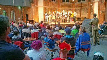 Auftritt des Singt Pauli Chores beim Theaterfest