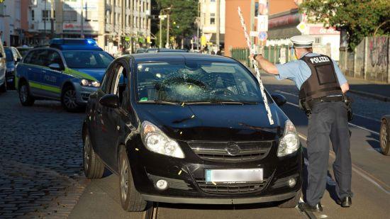 Unfall auf dem Bischofsweg - Foto: Roland Halkasch