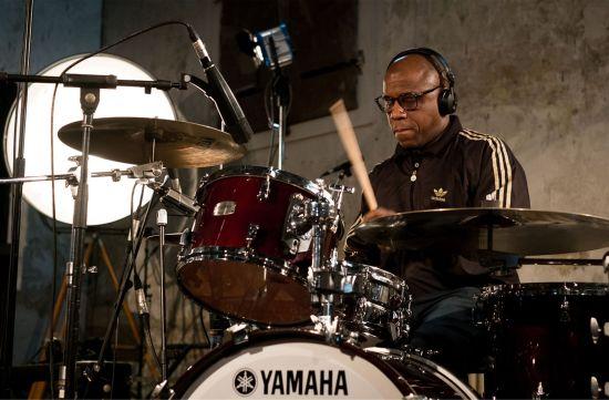 Derrick McKenzie von der Jamiroquai Rhythm Section, 17 Uhr in der Groovestation
