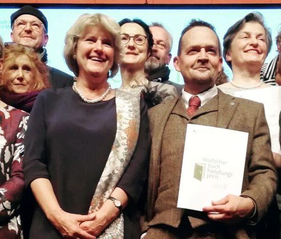 Ministerin und Preisträger - Foto: Bianka Stübing