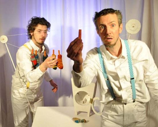"""Das Figurentheater """"Von den Sockenfressern"""" von und mit Alexej und Aleš Vancl  (Projekttheater)"""