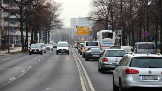 Albertstraße am Vormittag