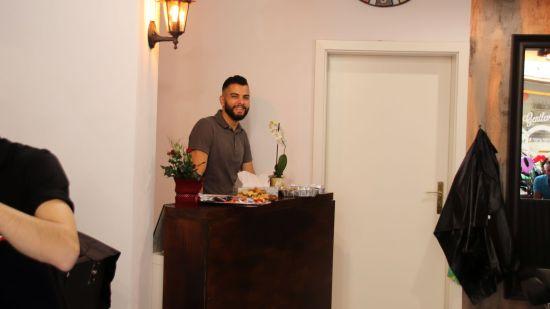 Adham Hassan führt das Geschäft.
