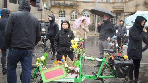 Tina Siebeneicher, Kandidatin der Neustadtgrünen gab kostenlos selbstgemachte Limo