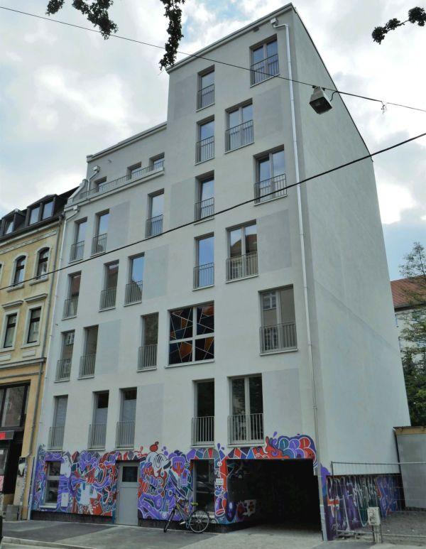Das von Wießner errichtete Haus in der Rudolfstraße war Ziel von Farbbeutelattacken.