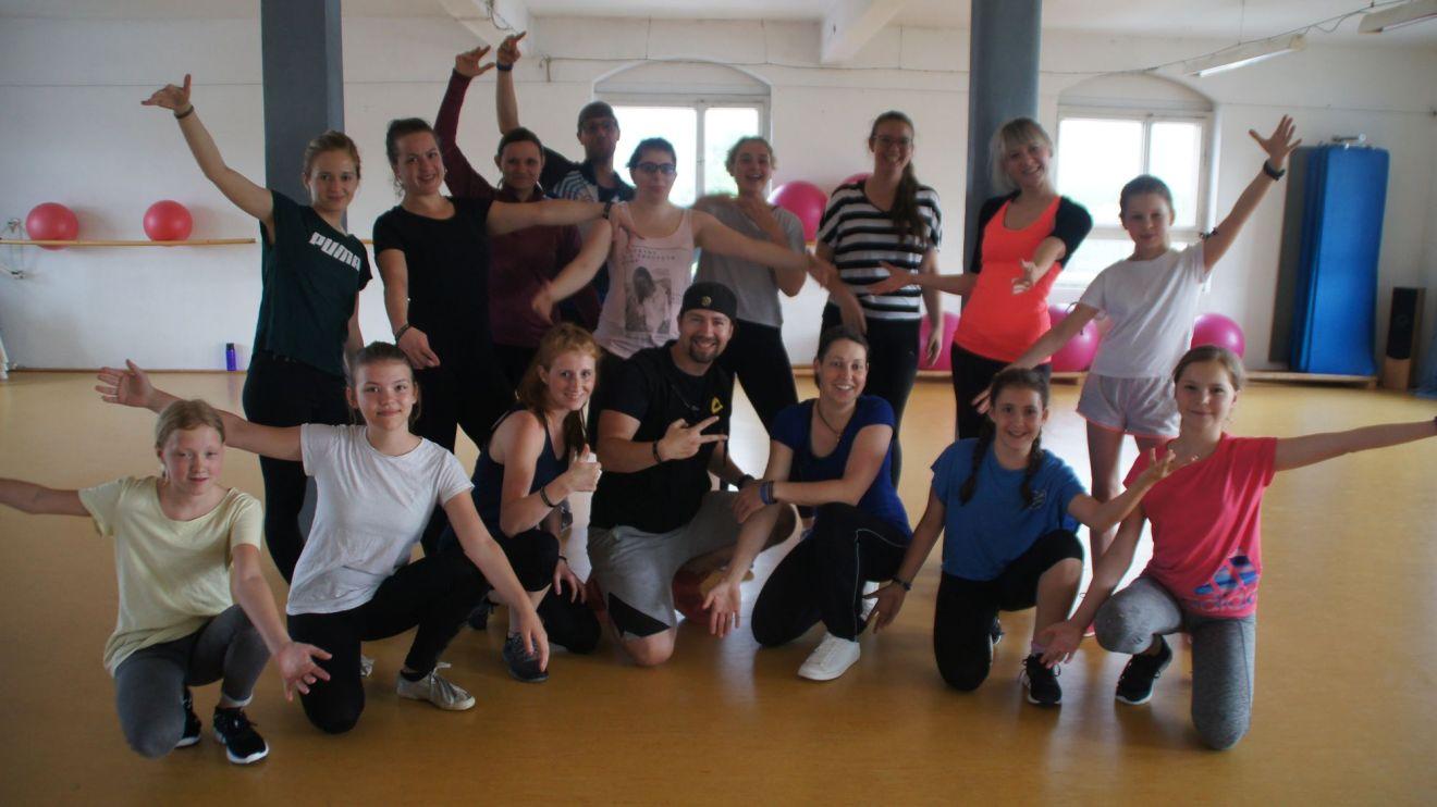 Empire of Outcast feiern 10 Jahre Tanzverein