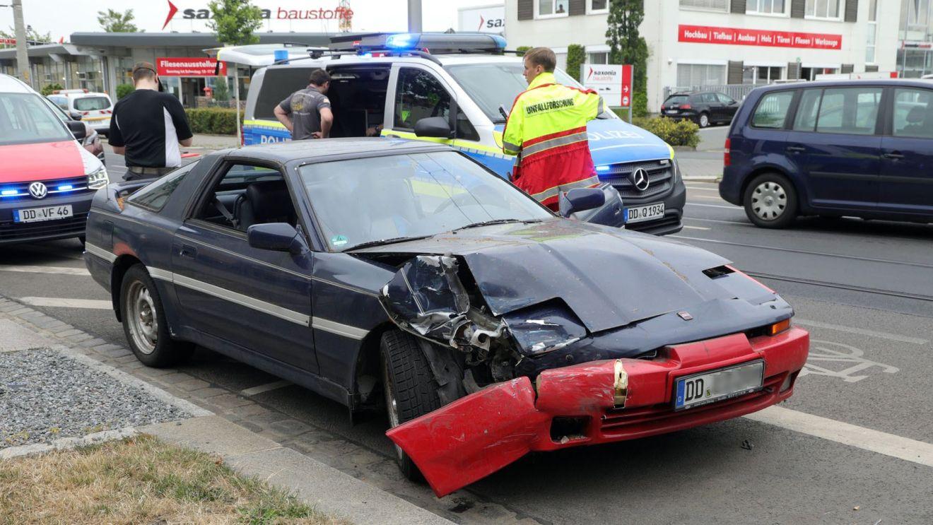 Unfall an der Fritz-Reuter-Straße - Foto: Roland Halkasch