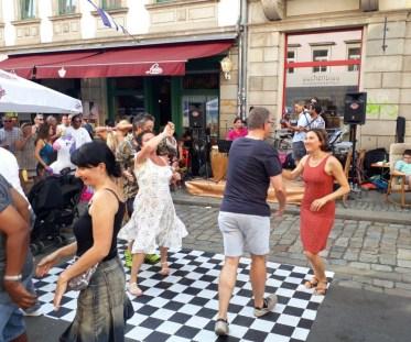 Lateinamerikanische Klänge und Tänze zum Sonntagnachmittag.