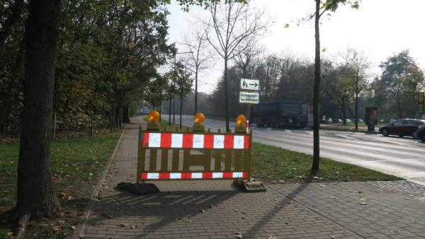 Fuß- und Radweg an der Stauffenbergallee gesperrt.