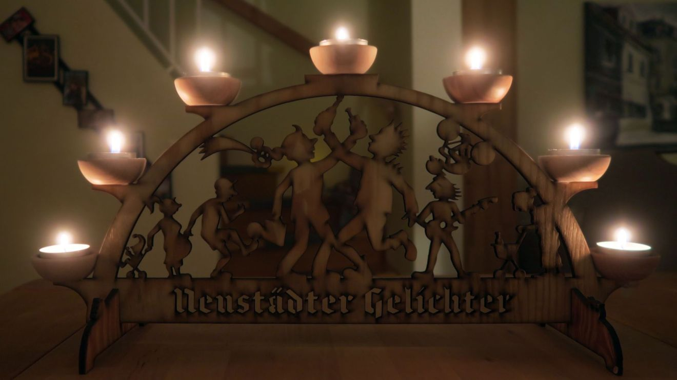 Neustadtgelichter mit Kerzen missbraucht.