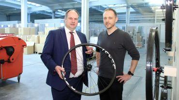 Oberbürgermeister Dirk Hilbert mit Geschäftsführer Mirko Filler