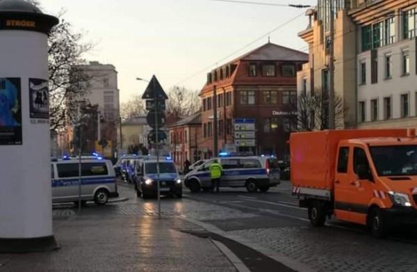 Großes Polizei Aufgebot an der Königsbrücker. Danke an Ronny für das Foto.