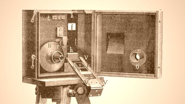 Kinematograph -Foto: Le Magazine Du Siecle (1897) Lizenz: CC BY-SA 3.0