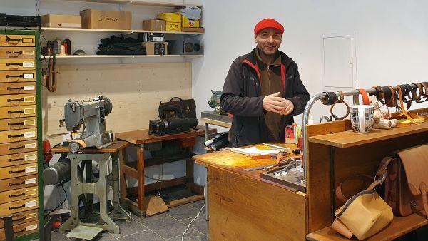 Roland Schulze bei der Arbeit
