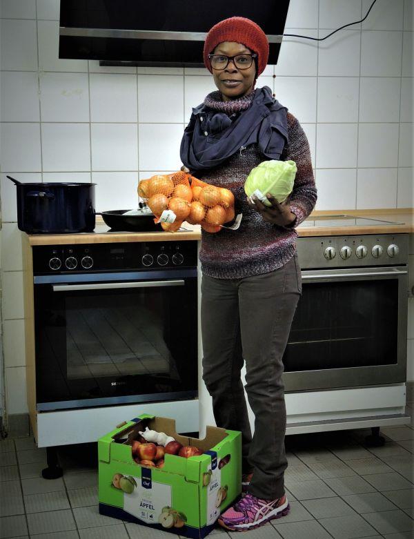 Rita hat schon alles vorbereitet für ein spannendes Gericht aus Mosambik.