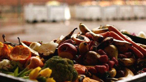 So viel Obst und Gemüse - da versteht man, warum die Tafel auch ein Lebensmittelretter ist.