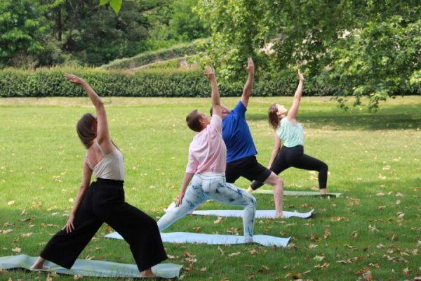 Yoga mit Abstand - 1,50 Meter