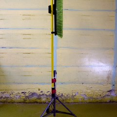 Scrub Weed // Yard Brush, Mobile Light Stand // 50 x 190 x 50 // 2008
