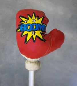 Painter Pop Fizz // Boxing Glove, Tie Wrap, Crutch // 120 x 25 x 15 cm // 2016