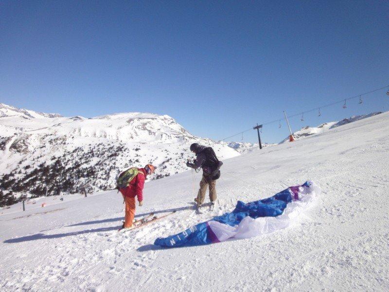 Revisando que no hay ningún coordino liado con el esquí.