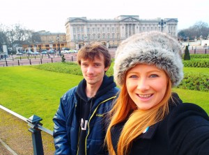 Never Ending Honeymoon | Jacqui Travels and Alex Moore at Buckingham Palace in London, UK