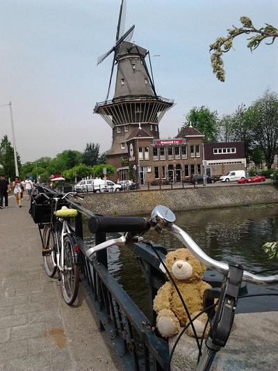 47 Amsterdam