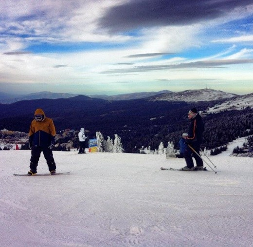 Never Ending Honeymoon | Daniel snowboarding in Kopaonik, Serbia
