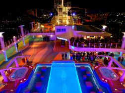 Sail Away-Party, Norwegian Escape in Hamburg