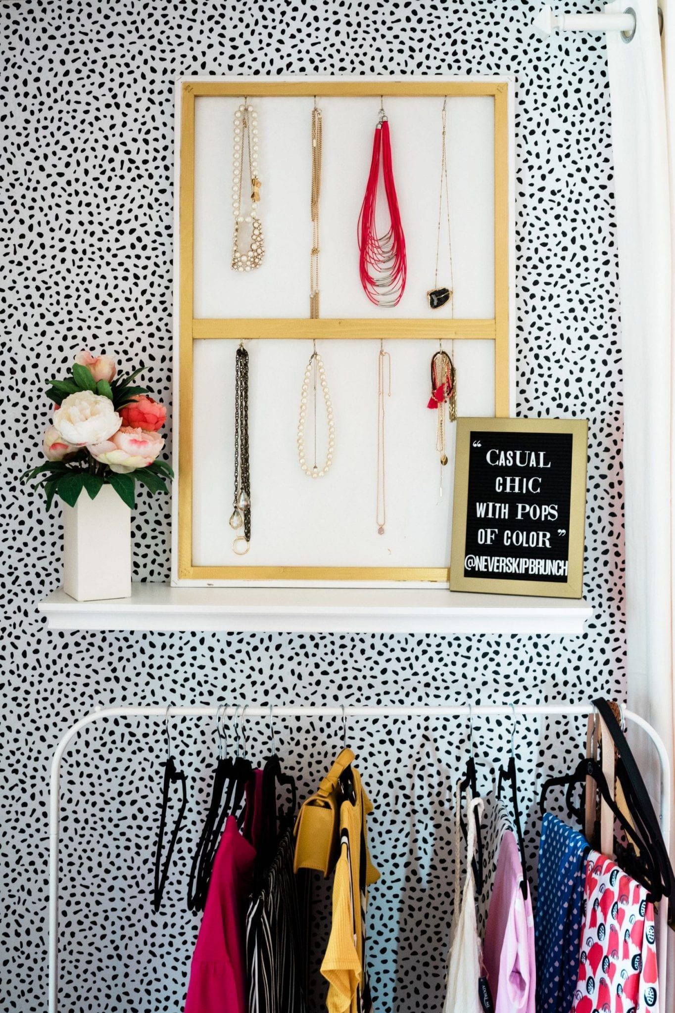 easy diy jewelry holder for wall | diy jewelry holder wall | necklace holder diy wall | Never Skip Brunch by Cara Newhart #diy #home #neverskipbrunch