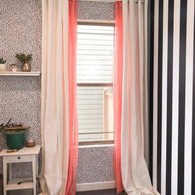 Here's how to style colored curtains. Some simple curtain tips and tricks for hanging curtains with sheers that are colored.   never skip brunch by cara newhart #home #design #neverskipbrunch