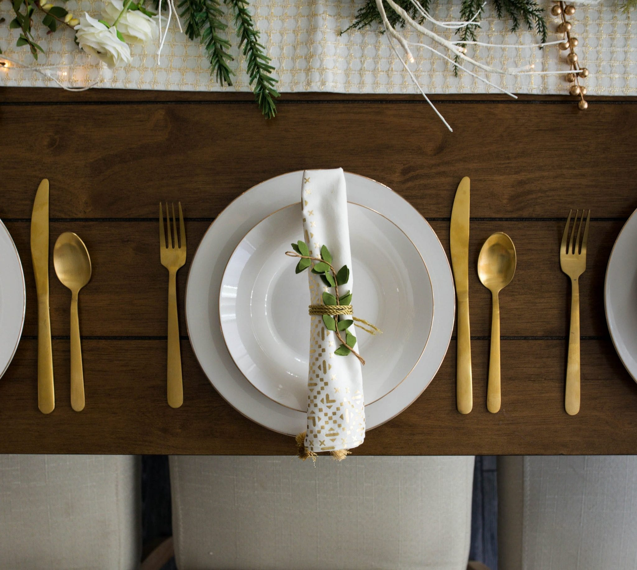 fall decor ideas | fall decor not orange | fall decor ideas for the home | fall decorations for home | never skip brunch by cara newhart #decor #fall
