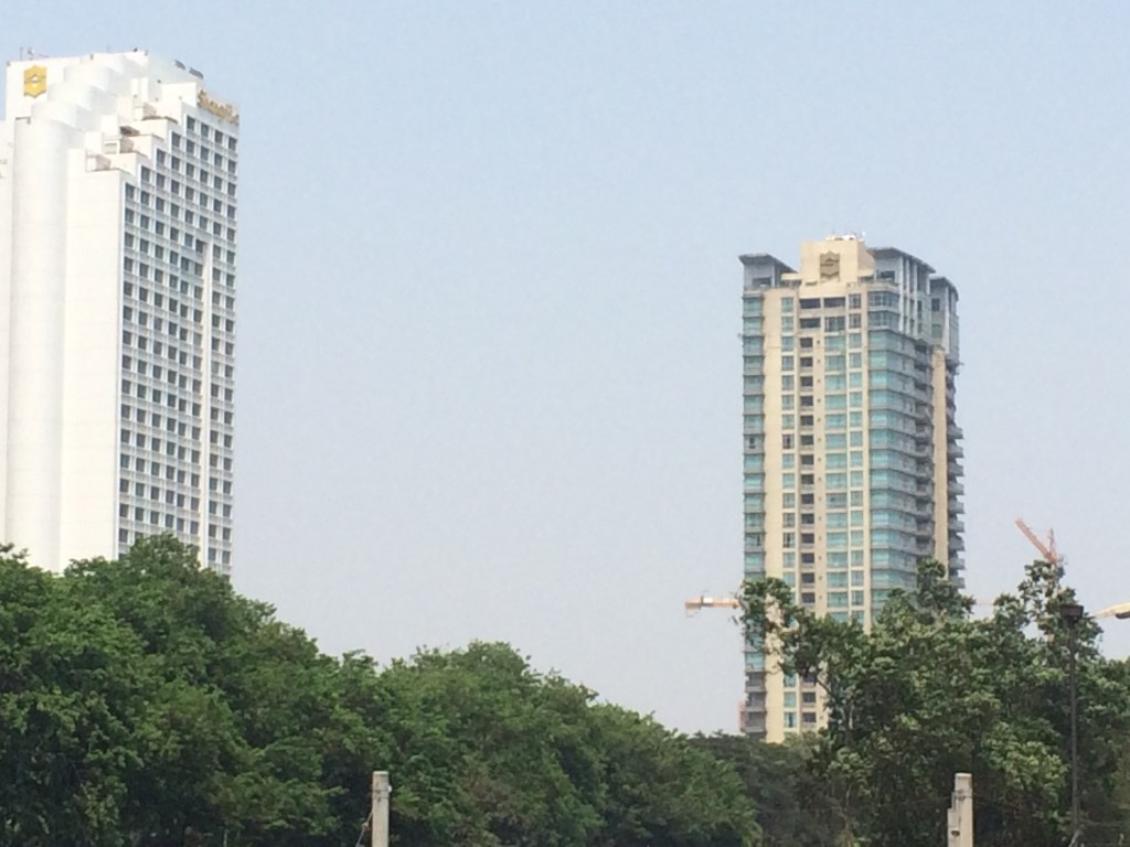 The building on the right is the Shangri La where I lived last time! In the pent house :D